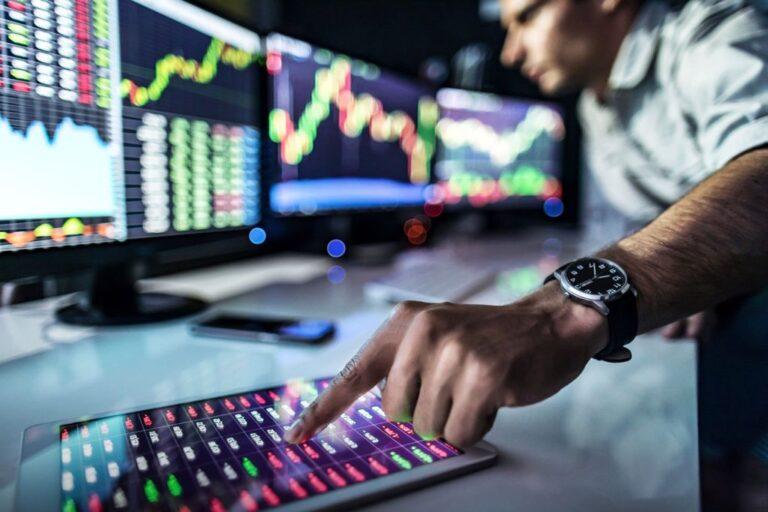 معاملهگران در حال خرید بیشتر بیتکوین