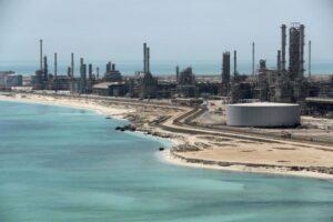 غول نفتی آرامکو به دنبال استخراج ارزهای دیجیتال
